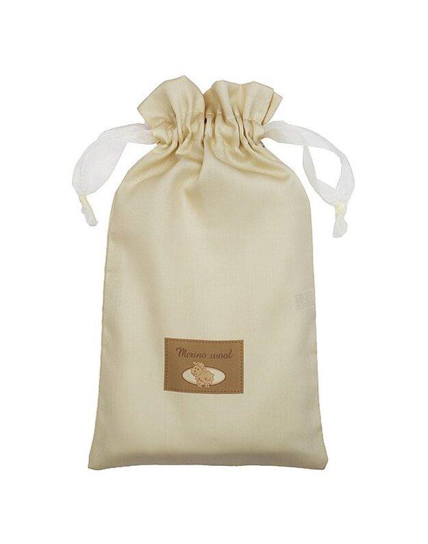 LORITA 4 d. kraitelė naujagimiui maišelyje, merino vilna, art. 1836